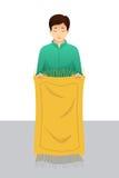 Homem muçulmano que prepara-se antes de rezar Imagens de Stock Royalty Free
