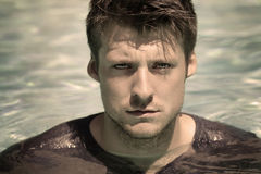 Homem na água Foto de Stock Royalty Free
