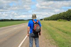 Homem na estrada imagens de stock