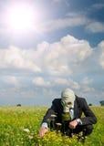 Homem na máscara de gás Fotos de Stock