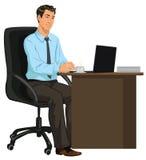 Homem na mesa com portátil Fotos de Stock