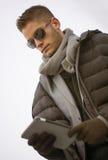 Homem na moda considerável na forma do inverno Foto de Stock
