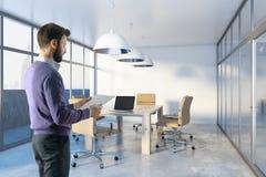 Homem na sala de conferências Foto de Stock