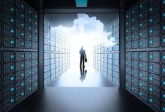 Homem na sala do servidor de rede 3d como o conceito ilustração do vetor