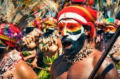 Homem nas cores em Papuásia-Nova Guiné Fotografia de Stock
