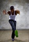 Homem negro que executa a coreografia da dança de Hip Hop fotografia de stock royalty free