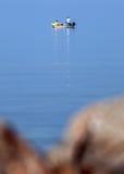 Homem no barco Foto de Stock Royalty Free