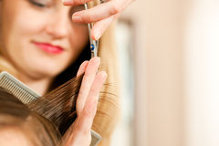 Homem no cabeleireiro Fotografia de Stock Royalty Free