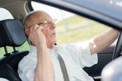 Homem no carro fotos de stock royalty free