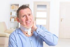 Homem no colar cervical foto de stock royalty free