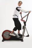 Homem no equipamento do exercício Imagens de Stock Royalty Free