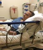 Homem no hospital imagens de stock royalty free
