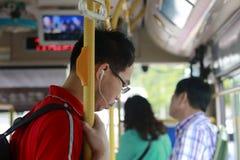 Homem no ônibus Fotografia de Stock Royalty Free