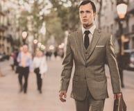 Homem de negócios fora imagem de stock royalty free