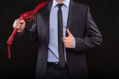 Homem no terno de negócio com mãos acorrentadas handcuffs Imagem de Stock