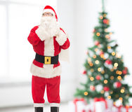 Homem no traje de Papai Noel com saco Fotografia de Stock Royalty Free