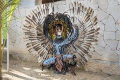 Homem no traje indiano do Maya em Tulum, México Imagem de Stock