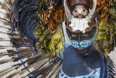 Homem no traje indiano do Maya em Tulum, México Foto de Stock