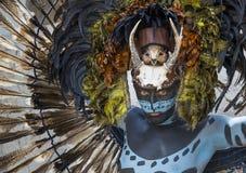 Homem no traje indiano do Maya em Tulum, México Fotos de Stock Royalty Free