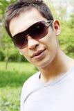 Homem nos óculos de sol Fotografia de Stock