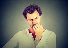 Homem novo ansioso preocupado imagem de stock royalty free