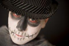Homem novo assustador no traje de Dia das Bruxas Foto de Stock Royalty Free