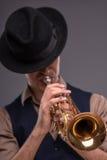 Homem novo considerável do jazz foto de stock royalty free