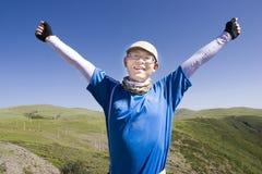 Homem novo feliz na natureza Fotos de Stock Royalty Free