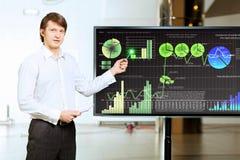 Homem novo na apresentação Imagens de Stock