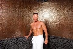 Homem novo na sauna turca Fotografia de Stock Royalty Free