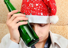 Homem novo no apego de álcool Imagem de Stock