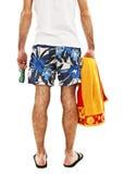 Homem novo no short com a toalha da parte traseira Imagens de Stock