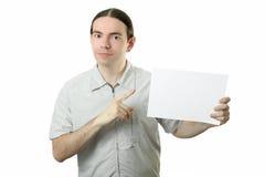 Homem novo que anuncia Fotografia de Stock Royalty Free