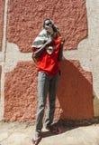 Homem novo que levanta na cidade de Jugol Harar etiópia Fotos de Stock Royalty Free