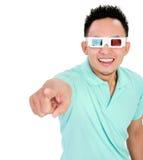 Homem novo que veste 3d-glasses Imagem de Stock