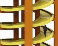 Homem que anda na trilha espiral inacabado em empilhar blocos Imagens de Stock