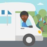 Homem que conduz a ilustração do vetor da roulotte Fotografia de Stock Royalty Free