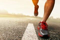 Homem que corre sobre fora Fotografia de Stock Royalty Free