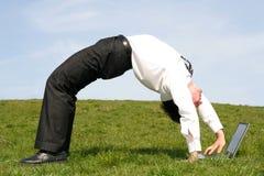 Homem que dobra-se para trás Foto de Stock Royalty Free