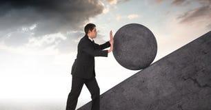 Homem que empurra o rolamento em volta da rocha ilustração do vetor