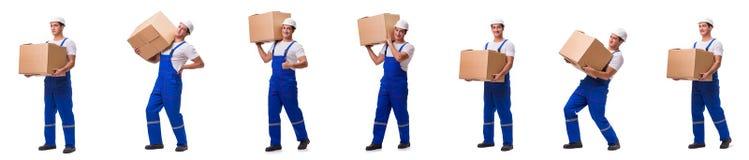 Homem que entrega a caixa isolada no branco Imagens de Stock