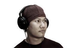 Homem que escuta a música Fotografia de Stock Royalty Free