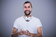 Homem que escuta a música Foto de Stock Royalty Free