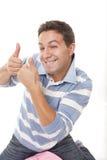 Homem que faz o sinal positivo fotos de stock royalty free