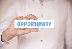 Homem que guarda uma palavra: Oportunidade Foto de Stock Royalty Free
