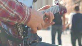 Homem que joga na guitarra filme