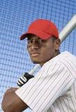 Homem que joga o basebol foto de stock royalty free