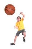 Homem que joga o basquetebol Imagens de Stock Royalty Free
