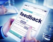 Homem que lê a definição do feedback foto de stock royalty free