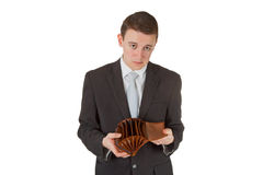 Homem que mostra a carteira vazia fotos de stock royalty free